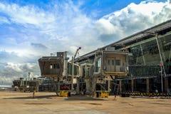 PHUKET, THAILAND - 2015 am 20. Oktober: Das Gebäude aerobridge bei Phuk Lizenzfreies Stockfoto