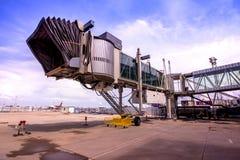 PHUKET, THAILAND - 2015 am 20. Oktober: Das Gebäude aerobridge bei Phuk Stockfotos