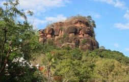Phutok stenigt berg på Bueng det kan landskapet Arkivfoto