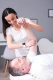 Physiothérapie moderne de réadaptation photos libres de droits