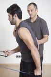 Physiotherapeut mit Patienten Lizenzfreie Stockbilder