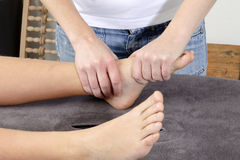 Physiotherapiebehandlung Stockbild