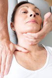 Physiotherapiemanipulation stockbild