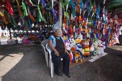 Piñata försäljning Royaltyfria Foton