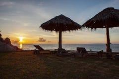 Pięknego słońca powstający niebo przy koh Tao wyspą jeden najwięcej popularnego podróżnego miejsce przeznaczenia w południowym Th fotografia stock