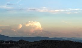 Piękny niebo z ogromną chmurą fotografia stock