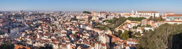 Piękny panoramiczny widok z lotu ptaka Lisbon czerwoni dachy Portugalia zdjęcia royalty free