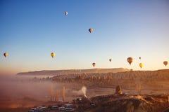Piękny wschód słońca widok od balonu przy Cappadocia, Turcja obrazy stock
