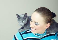Pièce avec le chat Photo stock