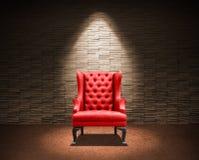 Pièce avec le fauteuil rouge Images libres de droits