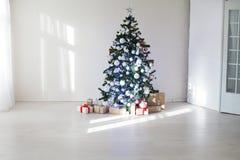 Pièce décorée pour des cadeaux d'arbre de Noël de Noël Photo stock