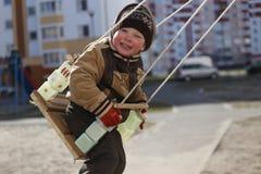 Pièce d'enfants sur la cour de jeu Photo libre de droits