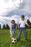 Pièce de garçon dans le football Images libres de droits