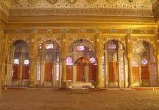 Pièce de maharaja à l'intérieur de fort de Mehrangarh, Jodhpur images stock