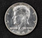 Pièce de monnaie argentée de demi-dollar de John Fitzgerald Kennedy Photo stock
