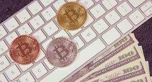 Pièce de monnaie de Bitcoin - symbole de crypto devise Concept d'affaires nouvel argent virtuel Images libres de droits