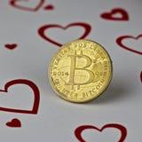 Pièce de monnaie d'amour de Bitcoin Photographie stock libre de droits