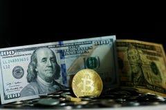 Pièce de monnaie d'or de Bitcoin Photos stock