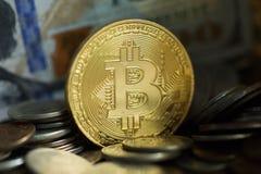 Pièce de monnaie d'or de Bitcoin Photos libres de droits