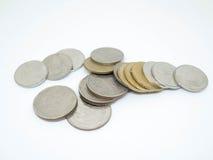 Pièce de monnaie de baht thaïlandais, groupe de pièces de monnaie, d'isolement sur le fond blanc images libres de droits