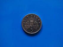 Pièce de monnaie de cinq penny, Royaume-Uni Image stock