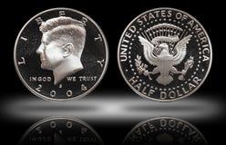 Pièce de monnaie des cinquante de cent USA de demi-dollar, fond de gradient photos stock