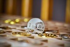 Pièce de monnaie en métal de Bitcoin Photographie stock libre de droits