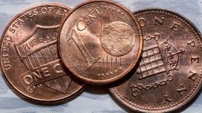Pièce de monnaie européenne et britannique américaine Photos stock