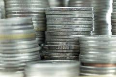 pièce de monnaie thaïlandaise de bain sur le fond blanc Photos stock