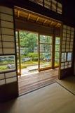 Pièce de Tatami et de Shoji, Japon Photographie stock libre de droits