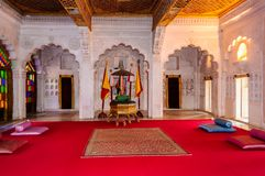 Pièce de trône et cour royale de roi de Marwar Photographie stock libre de droits
