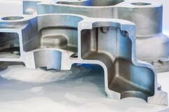 Pièce en métal de la pièce de machine dans la section Image stock