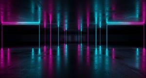 Pièce grunge futuriste de la science fiction avec les lampes au néon pourpres et bleues W illustration libre de droits