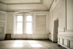 Pièce lumineuse dans le palais antique image libre de droits