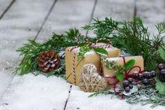 Pièce maîtresse de vacances sur le fond d'hiver Image libre de droits