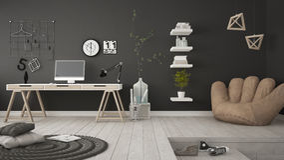 Pièce multifonctionnelle résidentielle avec le siège social, lieu de travail, Sc Photo stock