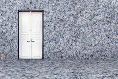 Pièce vide avec le mur blanc de porte et de granit images stock