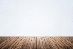 Pièce vide du plancher blanc de mur et en bois Images libres de droits
