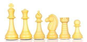 Pièces d'échecs blanches par ordre de diminuer images stock