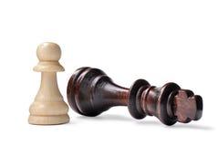 Pièces d'échecs - roi et gage images libres de droits