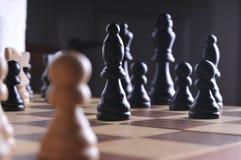 Pièces d'échecs sur le panneau Photo libre de droits