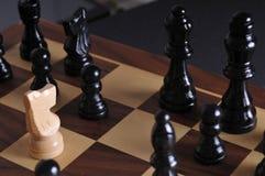 Pièces d'échecs sur le panneau Image stock