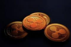 Pièces d'or numériques de crypto devise - ondulation Photo libre de droits