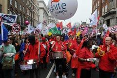 Pièces de bande en acier à la protestation d'austérité Images stock