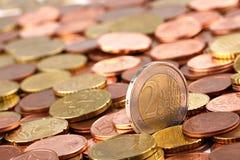 Pièces de monnaie 2 d'EURO photographie stock libre de droits