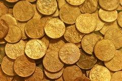 Pièces de monnaie d'or antiques Photographie stock libre de droits