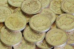 Pièces de monnaie d'une livre Image stock