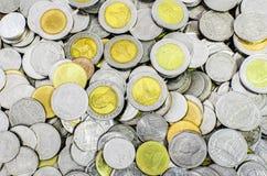 Pièces de monnaie de baht thaïlandais Photos libres de droits