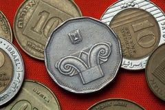 Pièces de monnaie de l'Israël Capital de colonne ionique Image stock