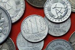 Pièces de monnaie de la république Démocratique d'Allemande (Allemagne de l'Est) images libres de droits